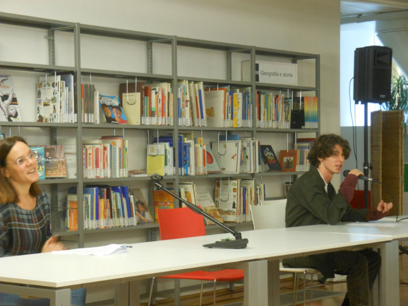 La prof. Consuelo Tosi con allievo